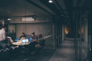 7つの職場を比較して気づいた「良い職場」の基準とその探し方を解説